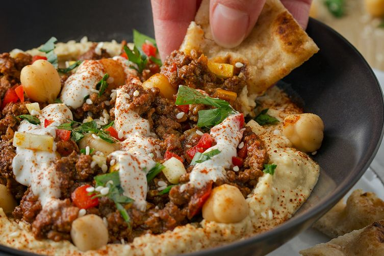 Hamshoula-Style Spiced Ground Meat Hummus