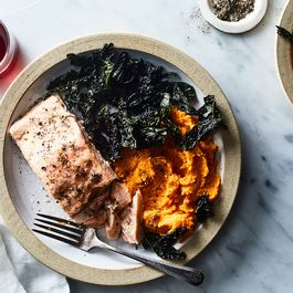 14fc076e 7cfe 4b44 9d3a b9b28502c1d0  2018 0320 salmon with kale and sweet potato 3x2 julia gartland 234