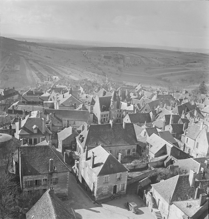 Rooftops of Sancerre from tower just before the snow, 1951