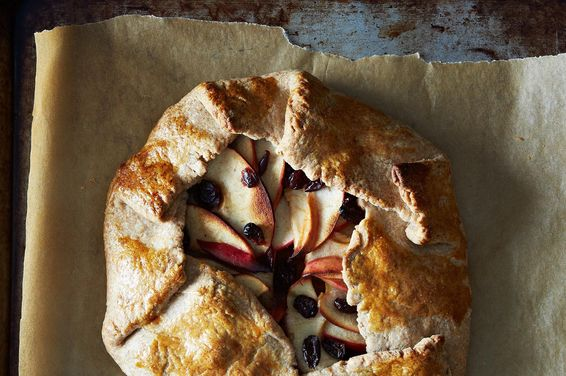 513e39b3-4f53-4432-973a-88b366fed232--2013-1119_finalist_apple-pumpkin-galette-520