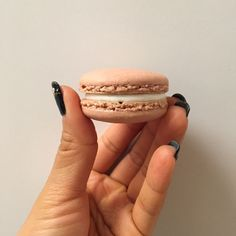 Red Velvet Macarons with Spiced Cream Cheese Filling:
