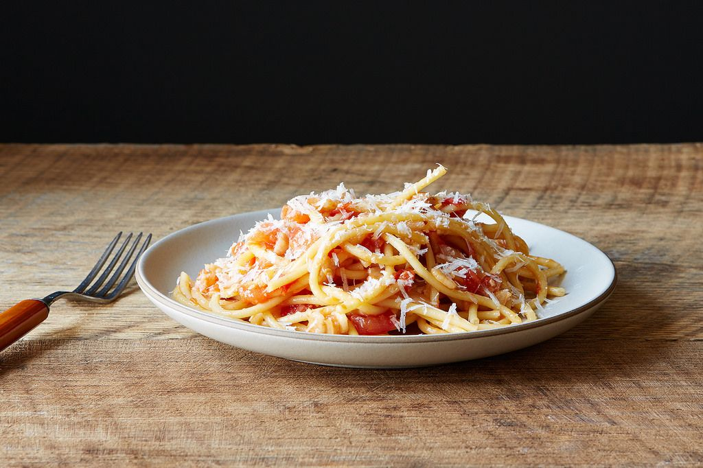 Bucatini all'Amatriciana - Pasta with Tomato Sauce