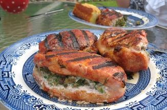 E42007ca 26d8 4f53 8fc8 faf12453e085  pic of stuffed pork chops