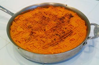E766a768-d857-4ed4-a2bb-5e0577b4f874.sweet_potato_s_pie_pan