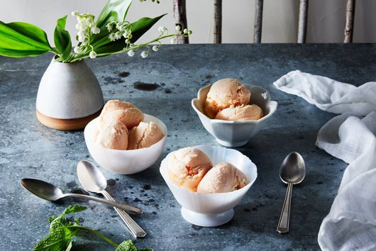 Peaches And Sour Cream Ice Cream