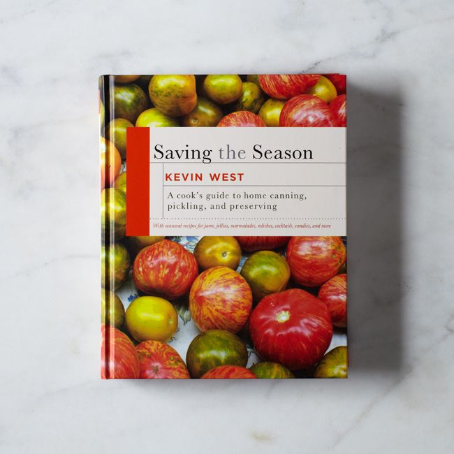3e2c2282 077c 44bb acb8 de5e088c9a4e  2013 1205 piglet posman books saving the season silo 0019