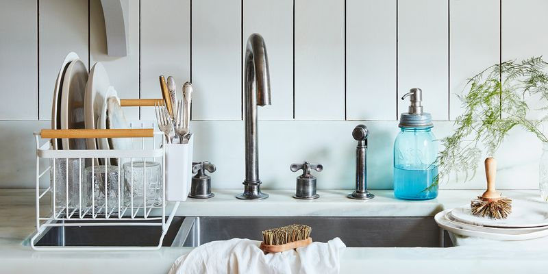 Speedy, DIY Concoctions For a Spotless Home