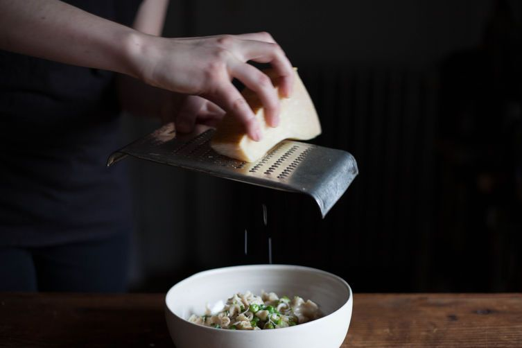 Pasta with Peas and Scallions Bathed in Cream