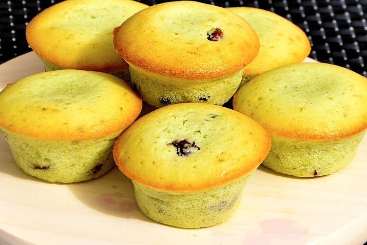 Pistachio Cranberry Muffins : Ideal tea-time snacks.
