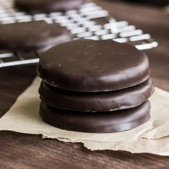 Homemade Thin Mint-Inspired Cookies