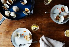 3f2bb2e1 ee25 4aa2 b7ee 8817918c2089  2015 0519 roasted clams with hot sauce james ransom 024