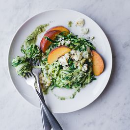 """Courgetti"" Salad with Creamy Roquefort and Juicy Peaches"