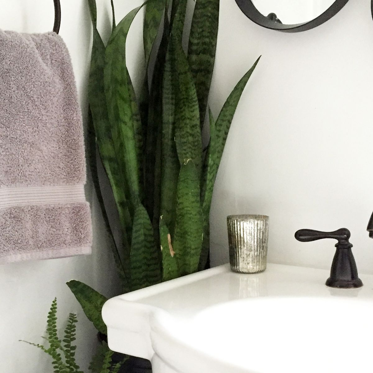 A Diy Tiny Bathroom Makeover On A Budget Before And After