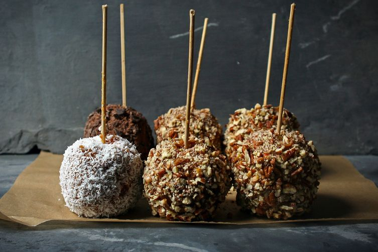CARAMEL APPLES – Vegan and Refined Sugar-free