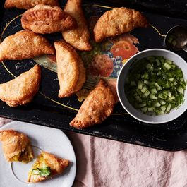 B1f67393 1f1c 4336 83eb 96684adcc922  2017 0214 coconut curry puffs mark weinberg 301