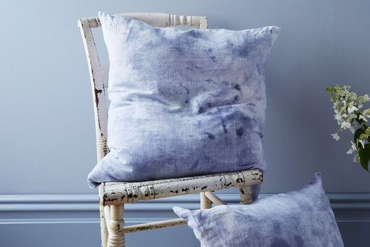 Give Plain White Linens a Colorful New Look With Ice-Dying