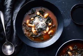 Dd3302e0 2814 42c8 85ba f8b0a1313061  2018 0116 genius italian kale bean stew final 3x2 julia gartland 292 2