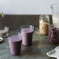 Berry Banana Oat Smoothie