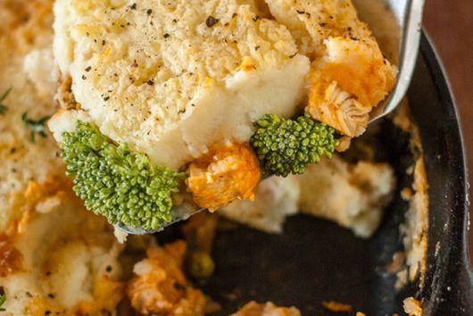 Cheddar and Broccoli Skillet Chicken Shepherd's Pie