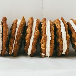 58ea4583 c126 454f 884d 18ca4baa20ba  oatmeal cream pies6blogsize 1 of 1