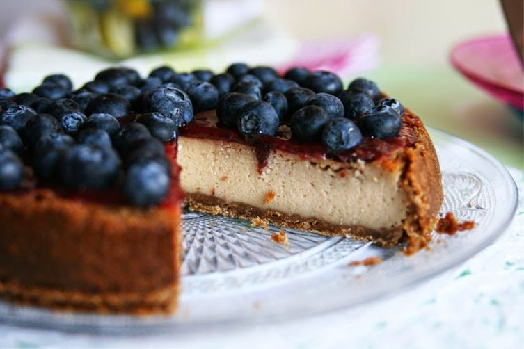 Bluberry Lime Vegan Cheesecake
