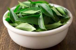 A246304f-012c-4c87-9240-1561ee1fb01f--curry-leaves_1-