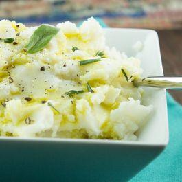 Da9e373f c364 4838 a699 2b3d5f9faba3  garlic mashed cauliflower