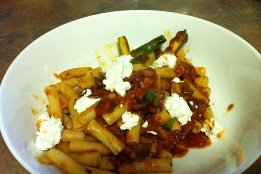Brown Rice Pasta with Asparagus and Goat Cheese