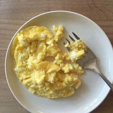 1-Minute Microwaved Scrambled Eggs? Yes, You Can