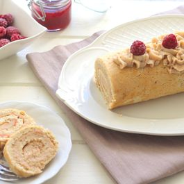 Rolled cake with chestnut cream and raspberry