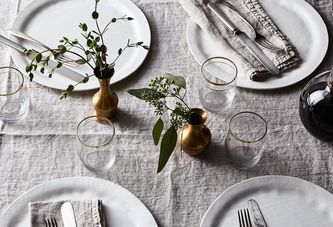 Two Ways to Set a Stunning Holiday Table