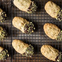 The Simple, 0-Ingredient Way to Salvage Limp Cookies