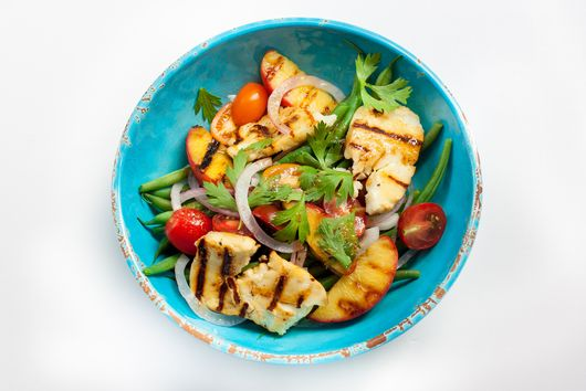 Grilled Halloumi & Peach Salad