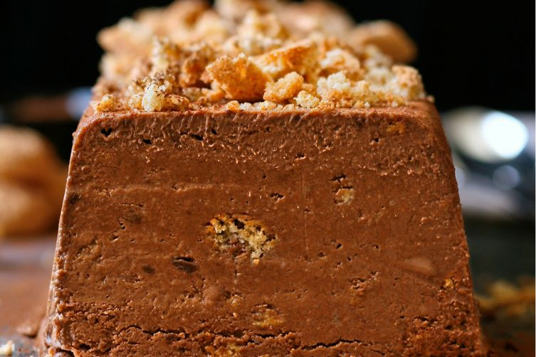 Dark chocolate and amaretti semifreddo