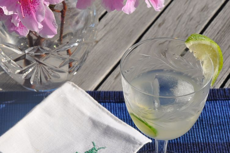 Cucumber-Lime Cocktail