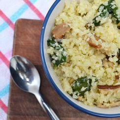 RICE-LESS CAULIFLOWER RISOTTO WITH SHIITAKE & SPINACH