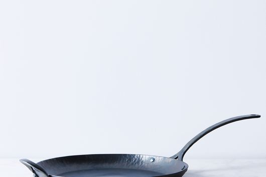 Hand-Forged Carbon Steel Skillet