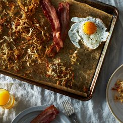 How to Make Bacon, Eggs & Hash Browns with One Eye Open