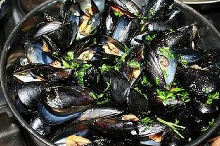 Pepata di Cozze (Peppered Mussels)