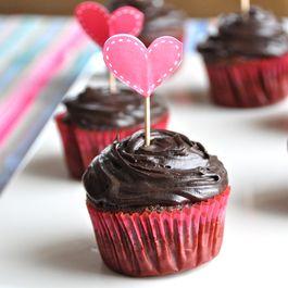 Db69210b b22a 4ad0 b4b3 cb6e2f9b5e77  lauren fister cupcake love