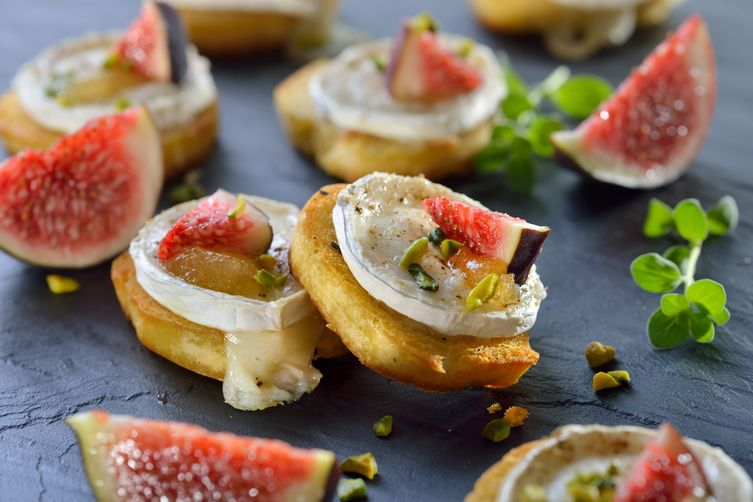 Red Wine Fig Crostini