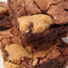 546a5919 6021 4877 829e 4d7b9cdf530b  chocolate chip cookie dough brownies