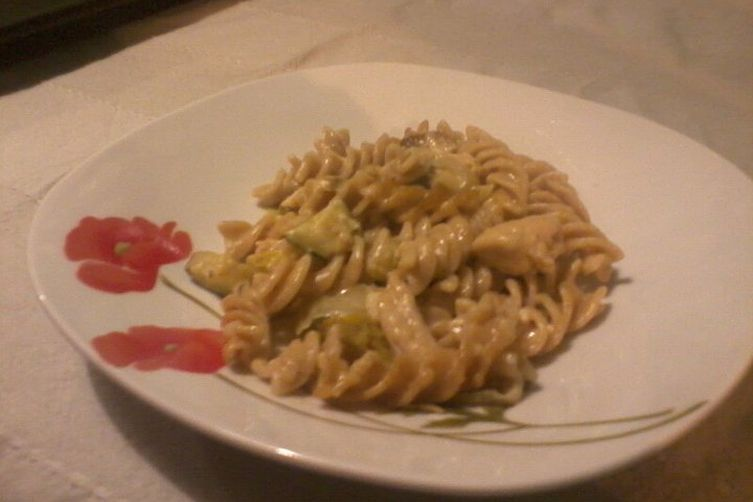 Honey mustard gratin spaghetti with zucchini and Napa cabbage