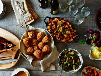 5 Reasons to Serve Buffet-Style