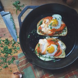 Spicy Tomato & Baked Egg Toast