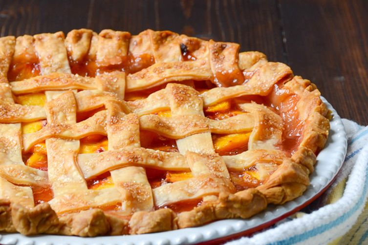 fresh peach pie with lattice crust