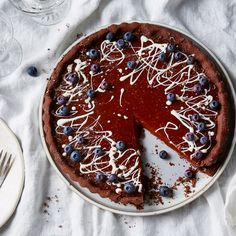 Chocolate-Caramel Tart With Skyr & Blueberries