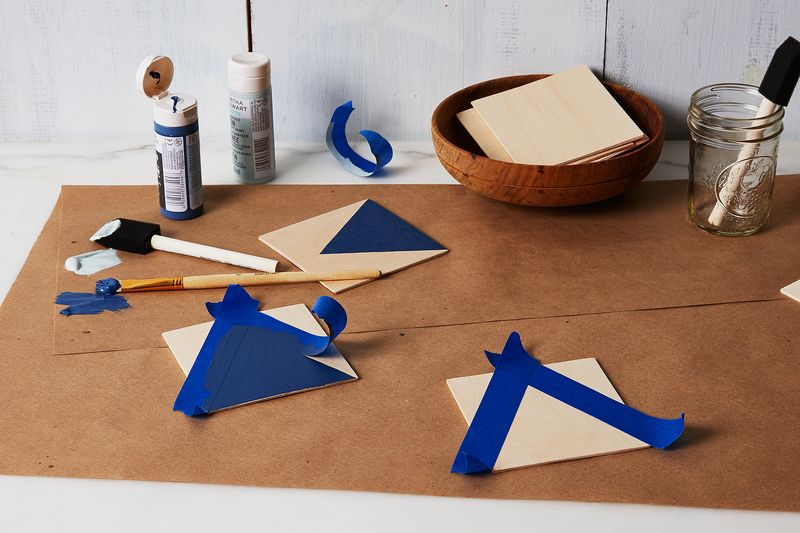 Peels of painter's tape make straight lines a breeze.