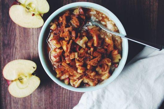 Apple Cinnamon Oatmeal Bowls