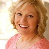 Maggie Hollis